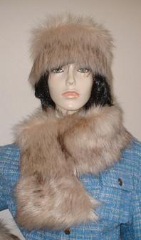 Fawn Musquash Faux Fur Pull Through Collar