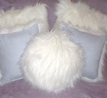 Polar Bear Faux Fur Round Cushion