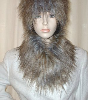 Tundra Wolf Faux Fur Long Collar