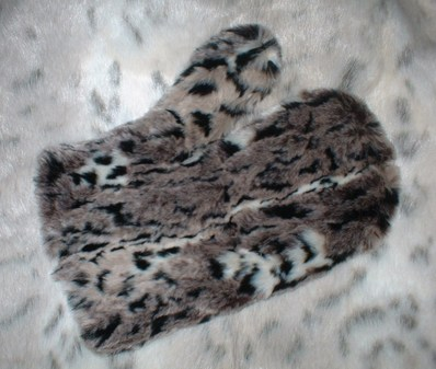 Wild Cat Faux Fur Mitt