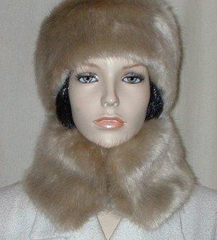 Honey Blonde Faux Fur Collar
