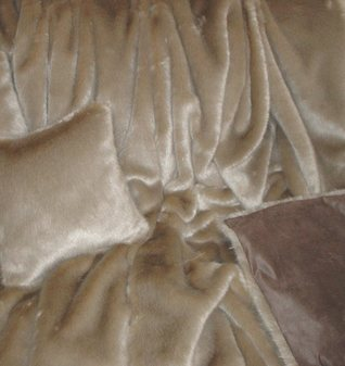 Honey Blonde Faux Fur SECONDS Per Meter