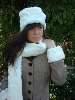 Ivory Astra Faux Fur Scarf